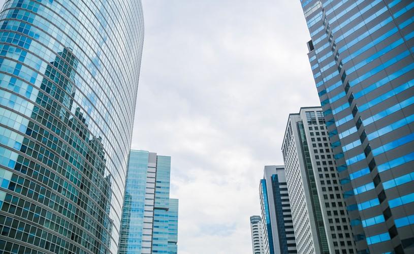 大企業に転職する方法や倍率、成功のポイント。中小企業からの転職は難しい?大企業からの転職は有利?